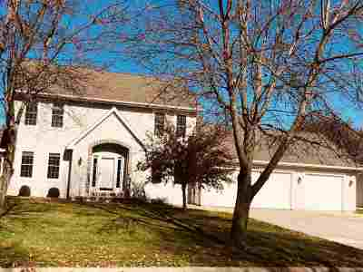 De Pere Single Family Home Active-No Offer: 1997 Swanstone