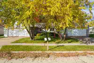 Little Chute Multi Family Home Active-No Offer: 1433 Northview