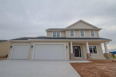 Menasha Single Family Home Active-No Offer: W6035 Zach