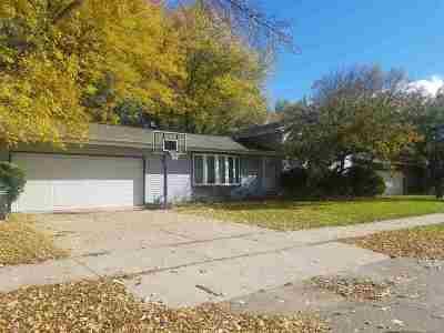 Oshkosh Single Family Home Active-Offer No Bump-Show: 2240 Ontario