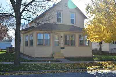 Kaukauna Single Family Home Active-Offer No Bump: 707 E 10th