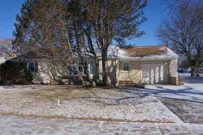 Green Bay Single Family Home Active-No Offer: 1338 Bond