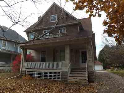 Oshkosh Single Family Home Active-No Offer: 1227 Jackson