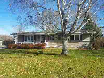 Seymour Single Family Home Active-No Offer: 332 Pleasant