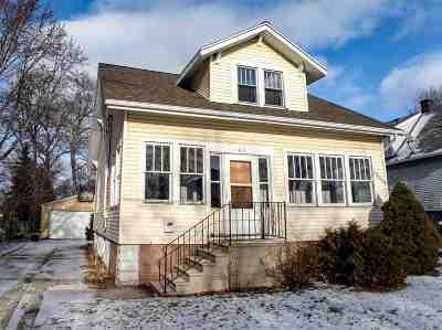 Green Bay Single Family Home Active-No Offer: 1163 Reber