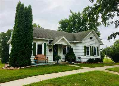 Kaukauna WI Single Family Home Active-Offer No Bump: $110,000
