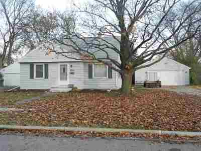Neenah Single Family Home Active-Offer No Bump: 970 Zemlock