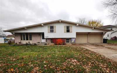 De Pere Single Family Home Active-Offer No Bump: 1123 Meadowview