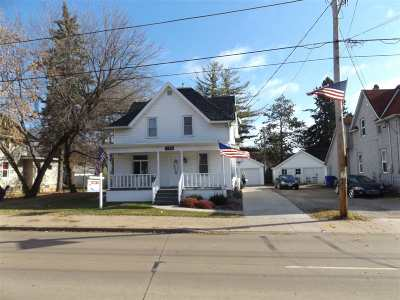 Appleton WI Single Family Home Active-No Offer: $129,900