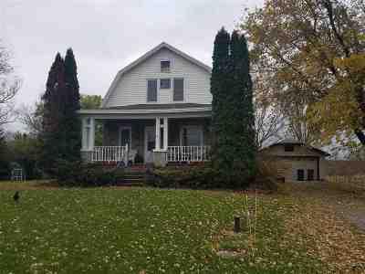 Oshkosh Single Family Home Active-Offer No Bump: 4535 Hwy K