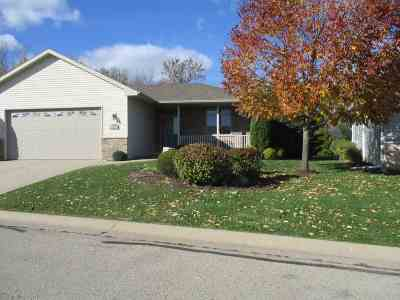 Suamico Condo/Townhouse Active-No Offer: 2046 Wisteria