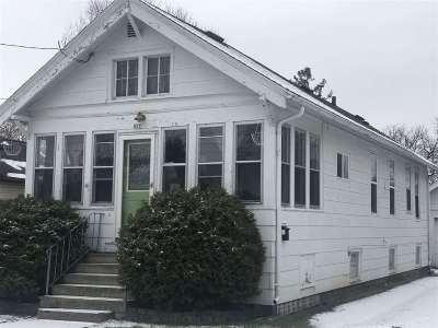 Oshkosh Single Family Home Active-No Offer: 827 W 10th