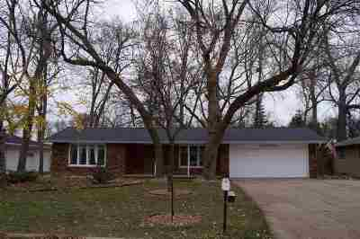 Green Bay Single Family Home Active-Offer No Bump: 1300 Valley View