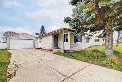 De Pere Single Family Home Active-Offer No Bump: 1105 Fay