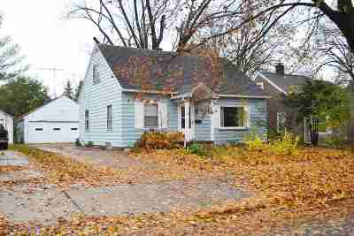 Appleton WI Single Family Home Active-No Offer: $129,000