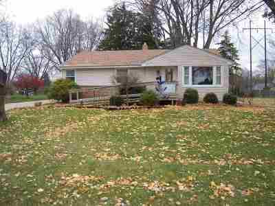Green Bay Single Family Home Active-Offer No Bump: 3623 Bernice