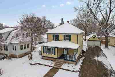 De Pere Single Family Home Active-No Offer: 430 N Michigan