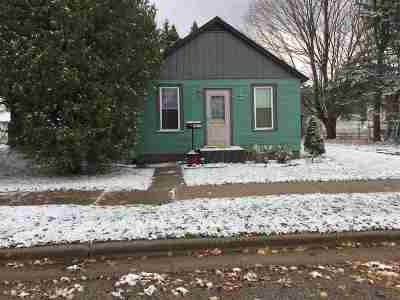 Single Family Home Active-No Offer: 2211 Thomas