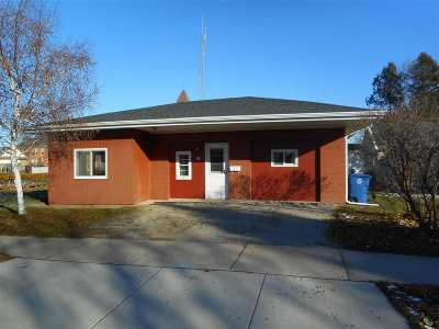 Oshkosh Single Family Home Active-No Offer: 604 Wyoming