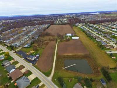 Residential Lots & Land Active-No Offer: 3025 Manitowoc