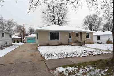 Appleton Single Family Home Active-No Offer: 943 E Lindbergh