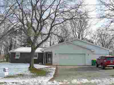 Green Bay Single Family Home Active-No Offer: 341 Bretcoe