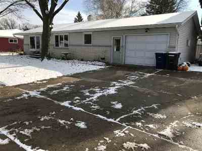 Kaukauna Single Family Home Active-No Offer: 2309 E Wisconsin