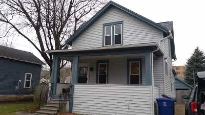 Oshkosh Single Family Home Active-No Offer: 527 Bowen