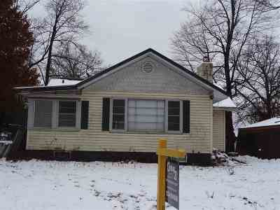 Shawano Single Family Home Active-No Offer: W6042 North Bay