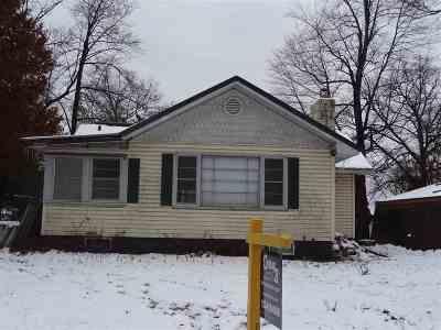 Shawano County Single Family Home Active-No Offer: W6042 North Bay