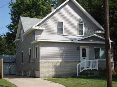 Oshkosh Single Family Home Active-No Offer: 422 W 17th