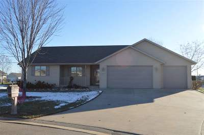 Neenah Single Family Home Active-Offer No Bump-Show: 2259 Meadow Flower