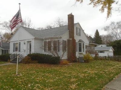 De Pere Single Family Home Active-No Offer: 602 N Huron