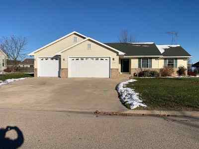 Winneconne Single Family Home Active-No Offer: 1131 Aster