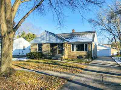 Green Bay Single Family Home Active-No Offer: 720 Lark