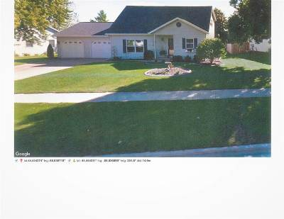 De Pere Single Family Home Active-No Offer: 1808 Charles
