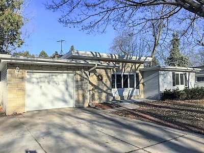 Green Bay Single Family Home Active-No Offer: 325 Dauphin