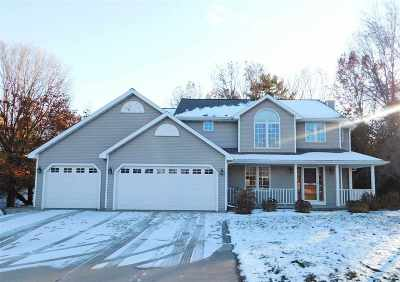 Green Bay Single Family Home Active-No Offer: 2935 Ruby Ridge