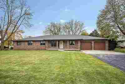 Green Bay Single Family Home Active-No Offer: 2330 Meadow Park