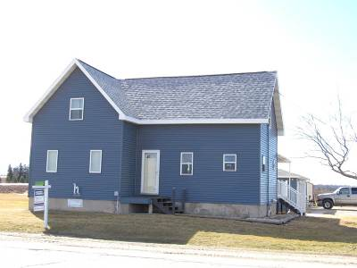 Menasha Single Family Home Active-No Offer: W4549 Hwy 10