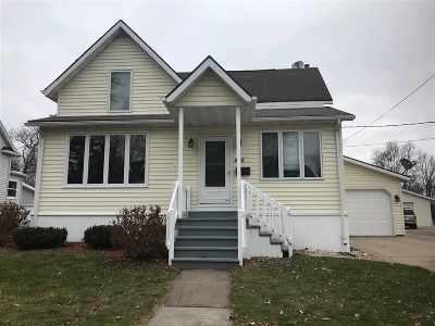 Seymour Single Family Home Active-Offer No Bump: 405 E Pearl