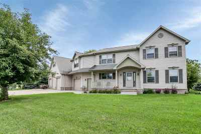 Green Bay Single Family Home Active-Offer No Bump: 2952 Crab Apple