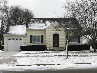 Appleton Single Family Home Active-Offer No Bump: 1225 W Oakcrest