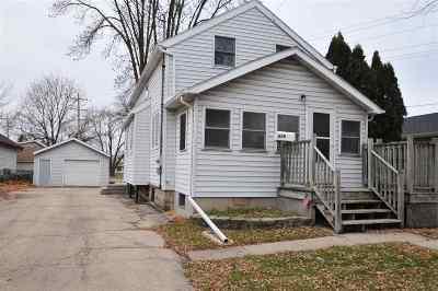Menasha Single Family Home Active-No Offer: 856 Appleton