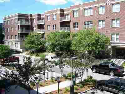 Green Bay Condo/Townhouse Active-No Offer: 118 S Washington #324A