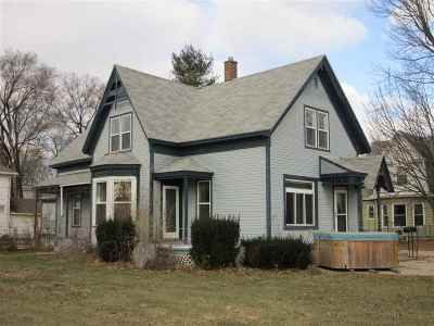 Shawano Single Family Home Active-No Offer: 719 S Franklin
