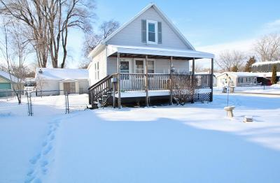 Green Bay Single Family Home Active-No Offer: 993 Velp