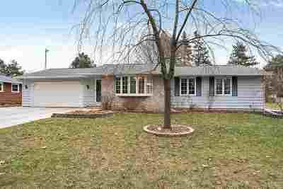 Green Bay Single Family Home Active-Offer No Bump: 471 Menlo Park