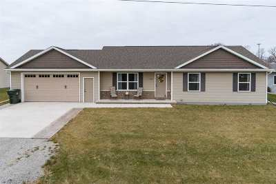 Kaukauna Single Family Home Active-Offer No Bump: 2475 Haas