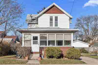 Oshkosh Single Family Home Active-No Offer: 1352 Lamar